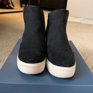 Universal Thread Wedge Booties